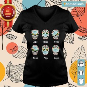 Day Of The Dead 2020 Skull Wearing Mask Funny Gift Halloween Ladies Tee